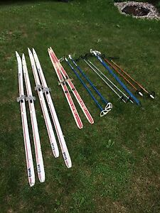 Cross country skis