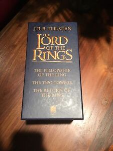 Full Lord Of The Rings Book Set Cambridge Kitchener Area image 2