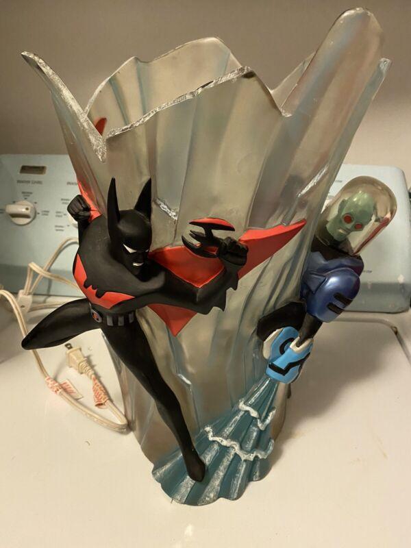 RARE BATMAN BEYOND & MR FREEZE SCULPTURE LAMP WARNER BROTHERS STORE WB 2000