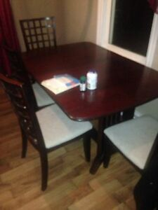 Table 4 chairs for
