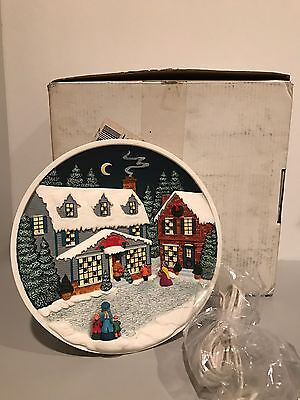 Bradford Exchange Electric CHRISTMAS PLATE Rhodes Studio Kringle's General Store