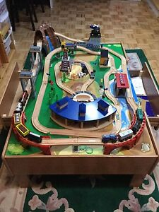 Imaginarium Classic Train Table with Roundhouse
