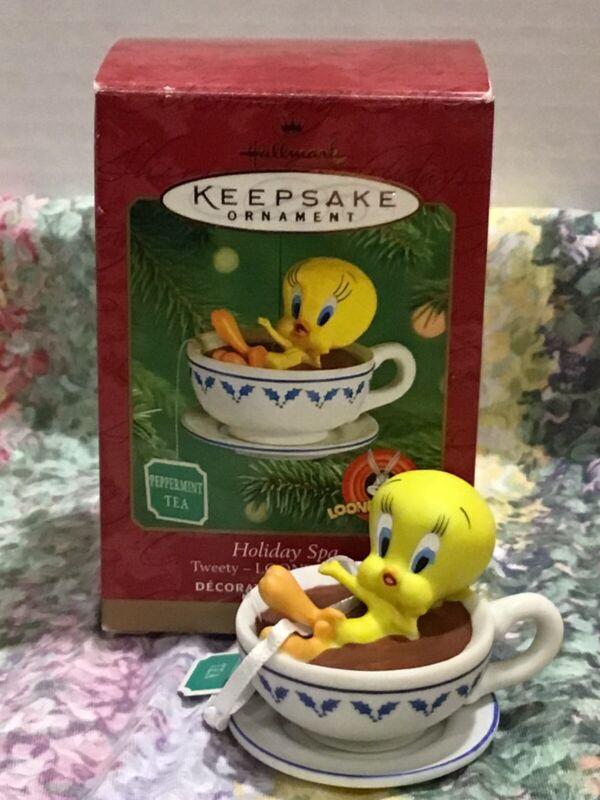 2001 Hallmark Keepsake Ornament Looney Tunes Tweety Bird Holiday Spa Fast Ship!