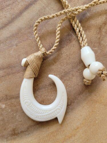 Hawaii Jewelry Tribal Fish Hook Buffalo Bone Carved Pendant Necklace Choker
