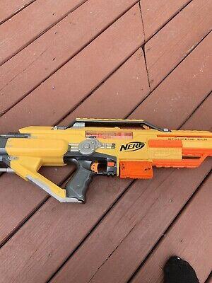 Nerf gun. Yellow nerf gun. *READ DESCRIPTION*