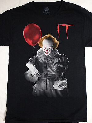 It The Movie Pennywise The Clown Holding Balloon