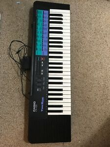 PIANO/KEYBOARD (PERFECT CONDITION)