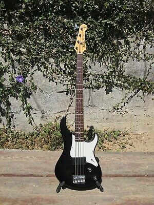 1990 Yamaha Attitude Deluxe Bass - 30 years old excellent condition w case