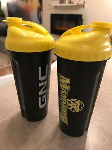 Pair of GNC Mammoth Protein Shaker Cups -NEW