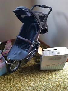 Love n Care X-trail stroller/pram with bassinet and toddler seat. Tea Tree Gully Tea Tree Gully Area Preview