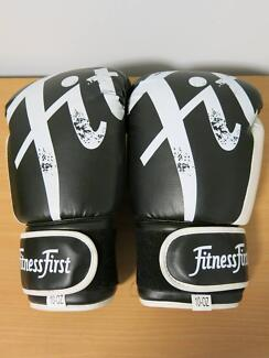 Fitness First 10 Oz Boxing/Training Gloves