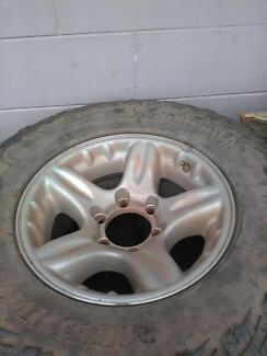 holden tyres and rims
