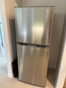Esatto 207L stainless steel fridge and freezer