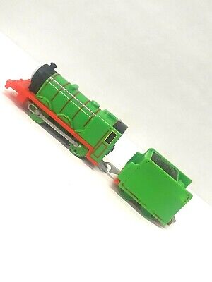 Thomas & Friends Trackmaster motorized Engine Henry #3 And Tender Car 2013 AM19