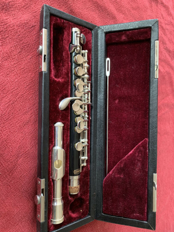 Bundy Piccolo - Good Playing condition -  Model BPC300
