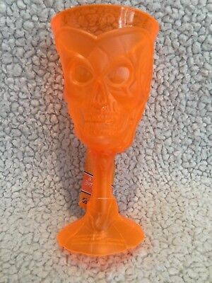 Halloween Plastic Wine Goblets (NEW Skull Wine Goblets Orange HALLOWEEN Plastic Party Drink Glasses ~ Lot of)