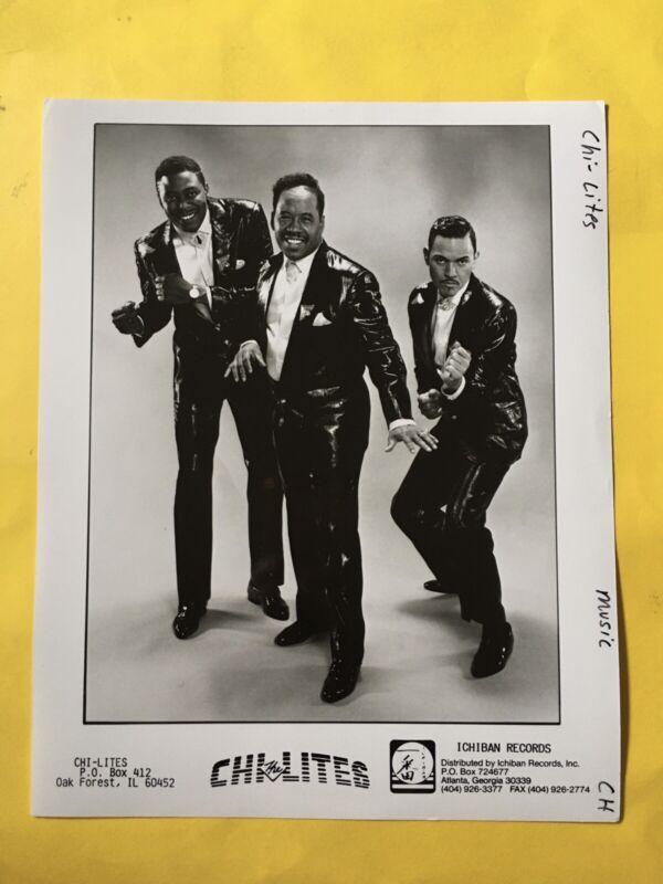 "The Chi-Lites Press Photo 8x10"". Ichiban Records."