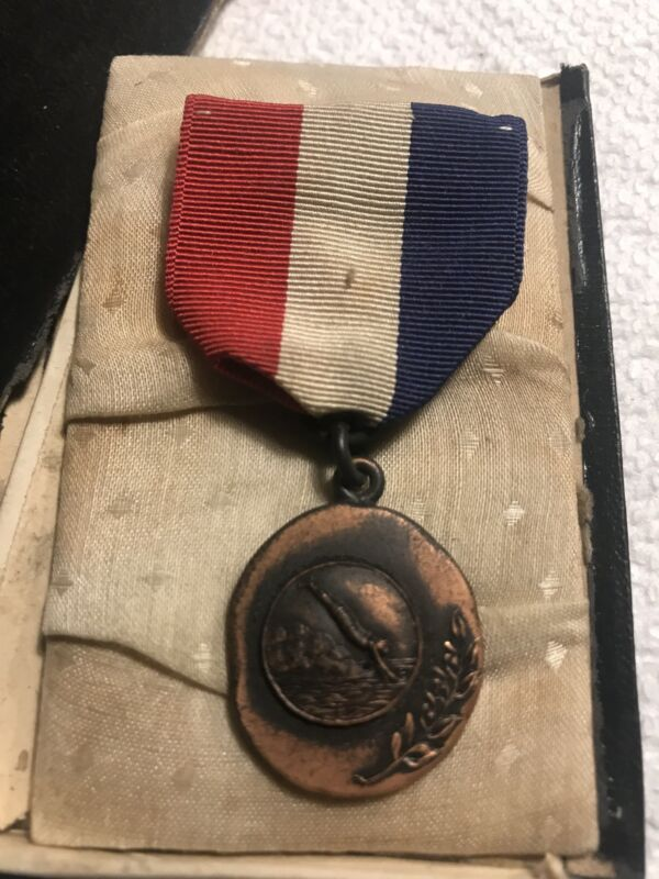 Vintage 1927 HHYC Bronze Swimming Medal Sporting Collectible RWB Ribbon Pin Coin
