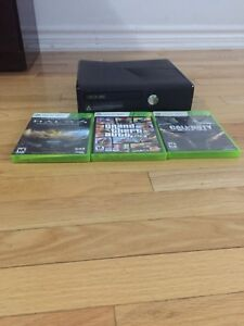 Xbox 360 with 3 games!!! Gta 5, Black ops and Halo 4!