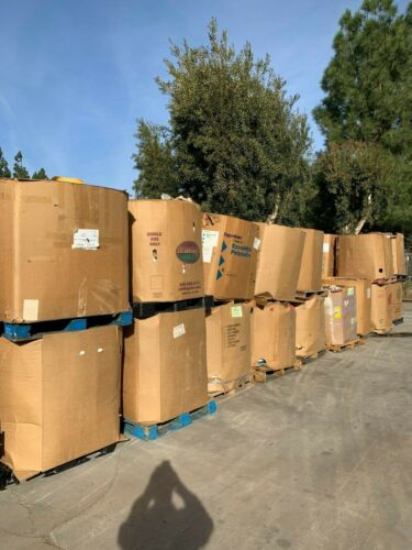 30,000 + ASSORTED MIXED BOOKS!  HARD & SOFT COVERED!  40 PALLETS!