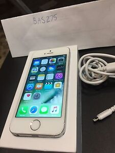 Apple iPhone 5s 16gb unlocked silver/white