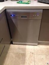 DeLonghi DEDW60S freestanding dishwasher in very good condition Seaforth Manly Area Preview
