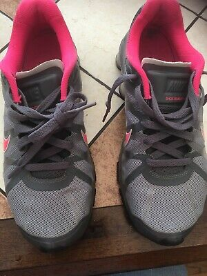 womens nike shoes size 9