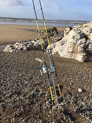QUALITY SEA FISHING SET - 2 X 12FT BEACHCASTER RODS + 2 X SK7 SEA REELS + TRIPOD
