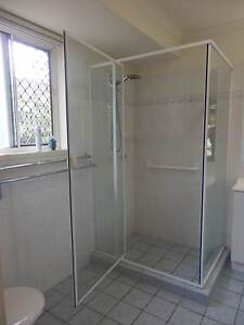 Shower Screen 840 X 1130 X 1880 Pacific Pines Gold Coast City Preview