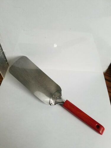 VINTAGE ANDROCK STAINLESS STEEL FLEXIBLE SPATULA WITH CHERRY RED BAKELITE HANDLE
