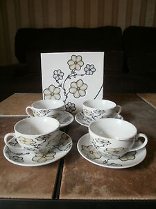 ABM IDEA Fine Porcelain  Expresso/ Demitasse Set of 4 CUPS/SAUCERS