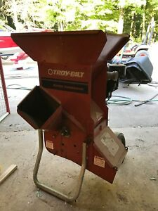 Troy-bolt super tomahawk wood yard chipper