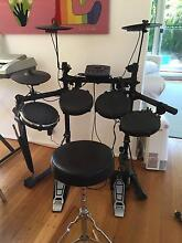 Electronic drum kit in excellent condition Fairlight Manly Area Preview