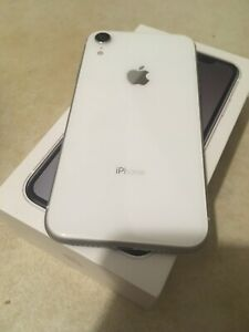 Immaculate 64gb iPhone XR $800 or TRADE