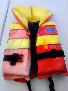 CHILD's LIFE JACKET MARLIN CHALLENGER.  Small child. 15-25 Kilos. Kangaroo Point Brisbane South East Preview