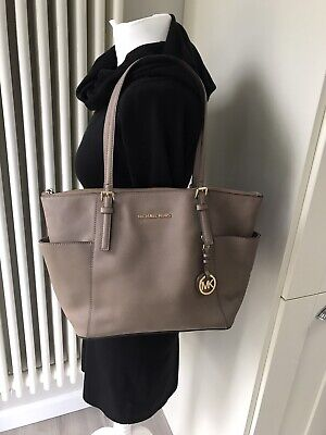 MICHAEL KORS JET SET EAST WEST ZIP TOTE SHOULDER SATCHEL BAG TAUPE GREY LEATHER