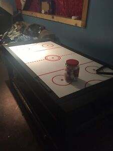 Pool table/air hockey works good