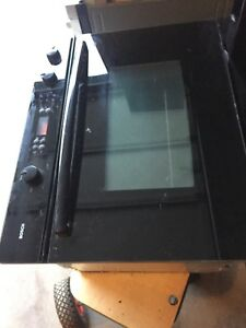 Moving sale built in bosch oven