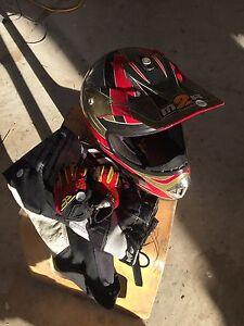 Kids motorbike gear Lochinvar Maitland Area Preview