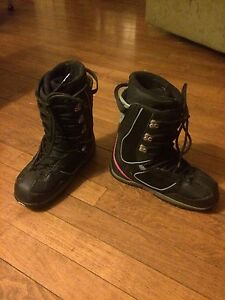 Womens size 7 snowboarding boot