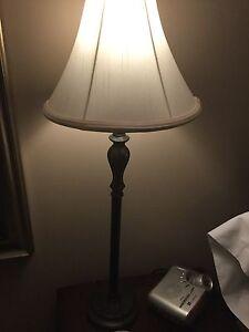 2 bronze lamps