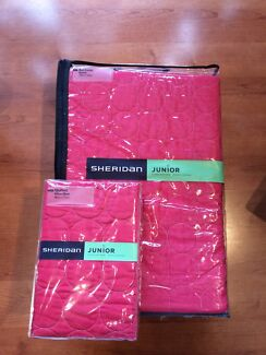 Sheridan pink junior bed cover & pillow case  Monterey Rockdale Area Preview