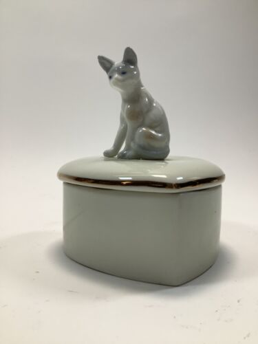 Heart Shaped Trinket Dish With Lid Cat Figure On Top 4.25 Inches Tall