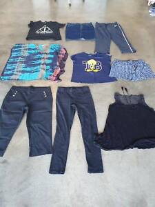 Womens Clothes. Qty 33. $2 each