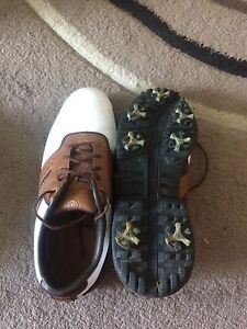Size 8.5 Nike Air golf shoes