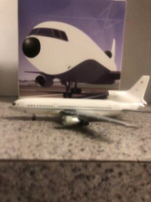 Jet-X 1:400 scale diecast model RAF L1011-500-1 Commercial Airliner ZD949