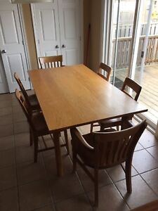 Solid oak table and six chairs vintage