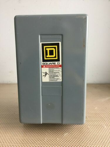 SQUARE D 8903LX080 8 POLE LIGHTING CONTACTOR IN ENCLOSURE