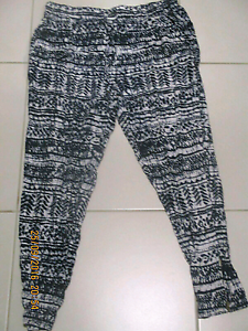Dotti sz 14 Batik print  womens pants Fletcher Newcastle Area Preview