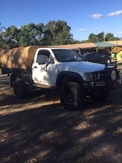 2001 Toyota Hilux 3.0l & hilux canvas canopy for sale | Gumtree Australia Free Local ...